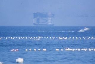 神秘的 幻想的な富山湾の蜃気楼