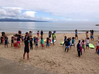 雨晴海岸 海辺の民宿 女岩荘 夏休み限定 ちびっこソフトサーフィンスクール