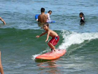 雨晴海岸 海辺の旅館 女岩荘 夏休み限定 子どもソフトサーフィン教室