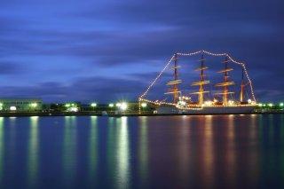 富山のイベント 帆船海王丸と新湊大橋ライトアップ