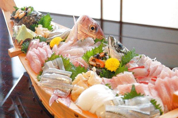 氷見港直送 旬の海鮮料理 全てのコース 大漁舟盛り付き